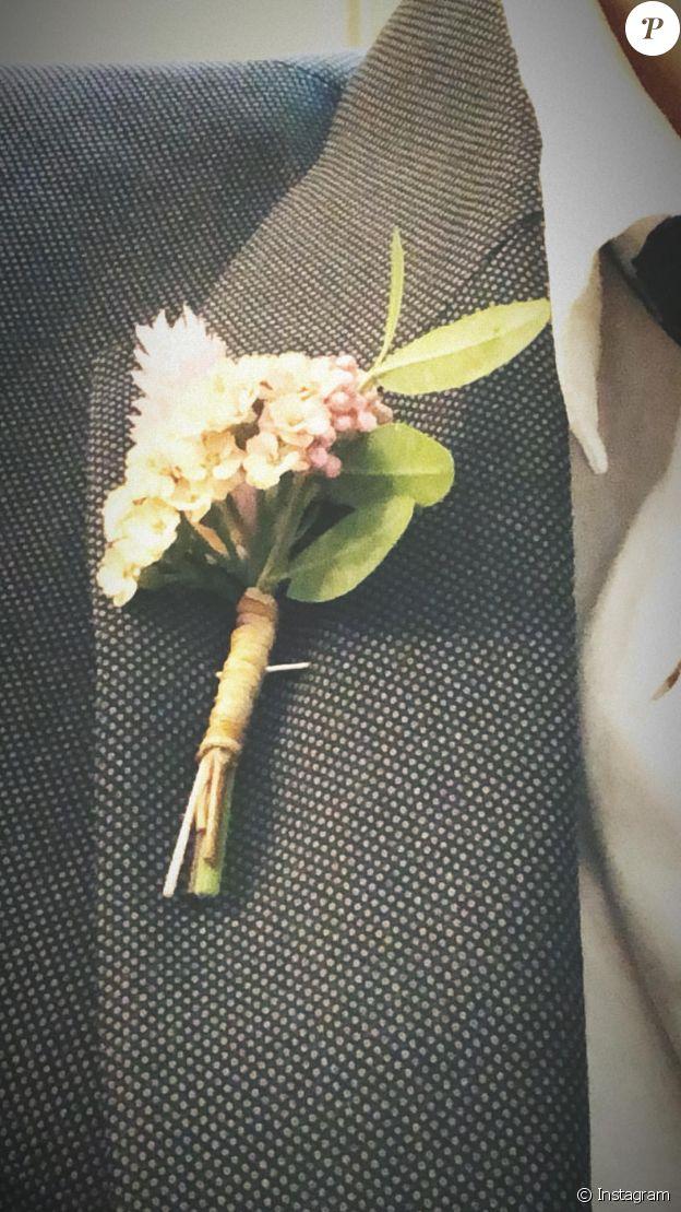 La boutonnière de Rafferty Law lors du mariage de son père Jude Law le 30 avril 2019