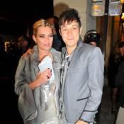 Kate Moss et Jamie Hince : ils s'aiment, c'est sûr... et sont heureux comme jamais ! Regardez !