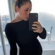 Anaïs Camizuli, enceinte, en vacances aux Maldives - Instagram, 17 mars 2019