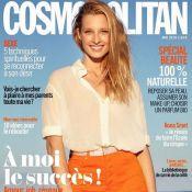 Ilona Smet : Nu sous une robe transparente, le mannequin est irrésistible