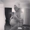 Chrissy Teigen : Nostalgique, elle s'affiche enceinte et entièrement nue