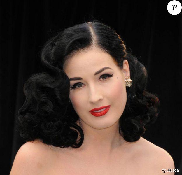 Dita Von Teese, tellement belle, tellement glamour... mmmh... tellement Dita !