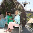 Exclusif - CANNES 2019 « LA JOURNÉE BY THE LAND» MET LE FESTIVAL À L'HEURE DE L'ÉCOLOGIE ET DE L'ENGAGEMENT Comment mettre un peu (beaucoup ?) d'éthique, d'écologie et d'engagement dans le festival de Cannes ? Pour répondre à cette question : Sandra Rudich, Aline Chau, Aurore Pierre et Mina Elkouais, quatre femmes venues de l'univers du cinéma, de la mode, de l'écologie et de la communication, ont crée « the Land », une société d'engagement qui nous amène à réfléchir sur notre façon de vivre mieux le quotidien. Et quoi de mieux pour tenter de faire évoluer les mentalités que de commencer là où le monde entier se réunit le temps d'attribuer une Palme d'Or ? Pour concrétiser leurs ambitions : Un lieu : « La Journée ». Cette terrasse entièrement végétalisée située cette année sur le roof top de l'hôtel 3.14, convie ses nouveaux membres à découvrir le monde sous un œil éco-responsable. On y boit (des jus détox), on y mange (des produits bio), on se fait masser dans des petits salons ouatés, on se refait une beauté grâce à des expertes spécialisées dans les soins du visage de marques haut de gamme de cosmétique bio et éco-certifiées. Même les pièces du vestiaire de jour à disposition des comédiens ont été sélectionnées en fonction de l'engagement des marques ! Lieu de contenu, aussi, « La Journée » accueillera le chef légendaire chef indien Raoni pour la reforestation en Amazonie, la conférence de presse de Cyril Dion (réalisateur de « Demain » avec Mélanie Laurent) et donnera vendredi 17/05 un dîner intitulé « tous et toutes ensemble de Veil à Varda » en partenariat avec la fondation des femmes et le soutien de International Women's Forum (IWF), pour les femmes dans les médias et 50/50x2020. À « La Journée » tout est fait pour rassembler chacun autour d'une ambition : mieux vivre dans le respect de la planète et de tous. Et pas question pour ces quatre femmes d'engagement de s'arrêter là. Après cette première édition cannoise, elles comptent bien faire voyager « La Jour