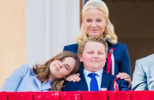 Ingrid Alexandra et Sverre Magnus de Norvège, ados complices dans la fatigue