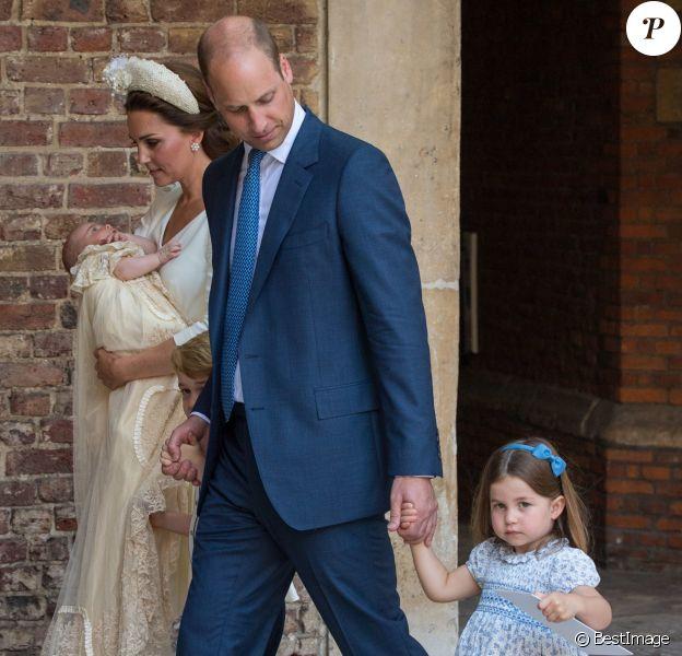 Le prince William, duc de Cambridge, Kate Catherine Middleton, duchesse de Cambridge, et leurs enfants, la princesse Charlotte, le prince George et le prince Louis - La famille royale d'Angleterre lors du baptême du prince Louis en la chapelle St James à Londres. Le 9 juillet 2018