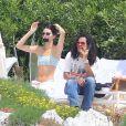 Kendall Jenner et Luka Sabbat profitent d'un après-midi ensoleillé à l'hôtel du Cap-Eden-Roc, à Antibes. Le 23 mai 2019.