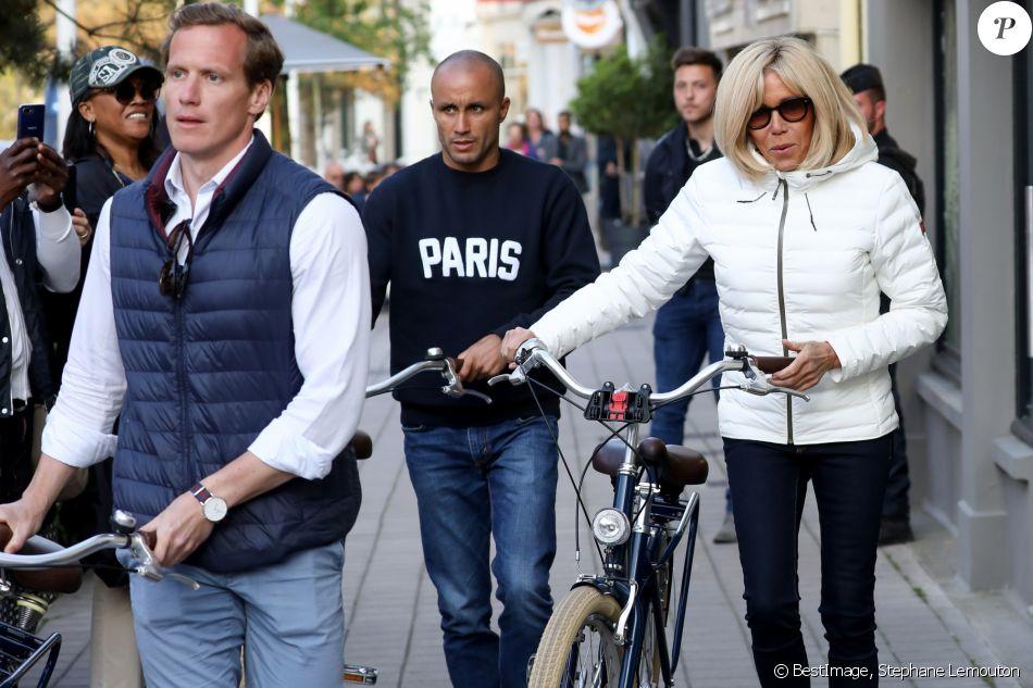 Au Touquet, vote et bain de foule pour Emmanuel et Brigitte Macron