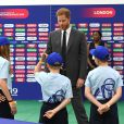 Le prince Harry, duc de Sussex, assiste au match d'ouverture de la Coupe du monde de cricket ICC 2019 entre l'Angleterre et l'Afrique du Sud au stade 'The Oval' à Londres, le 29 mai 2019.