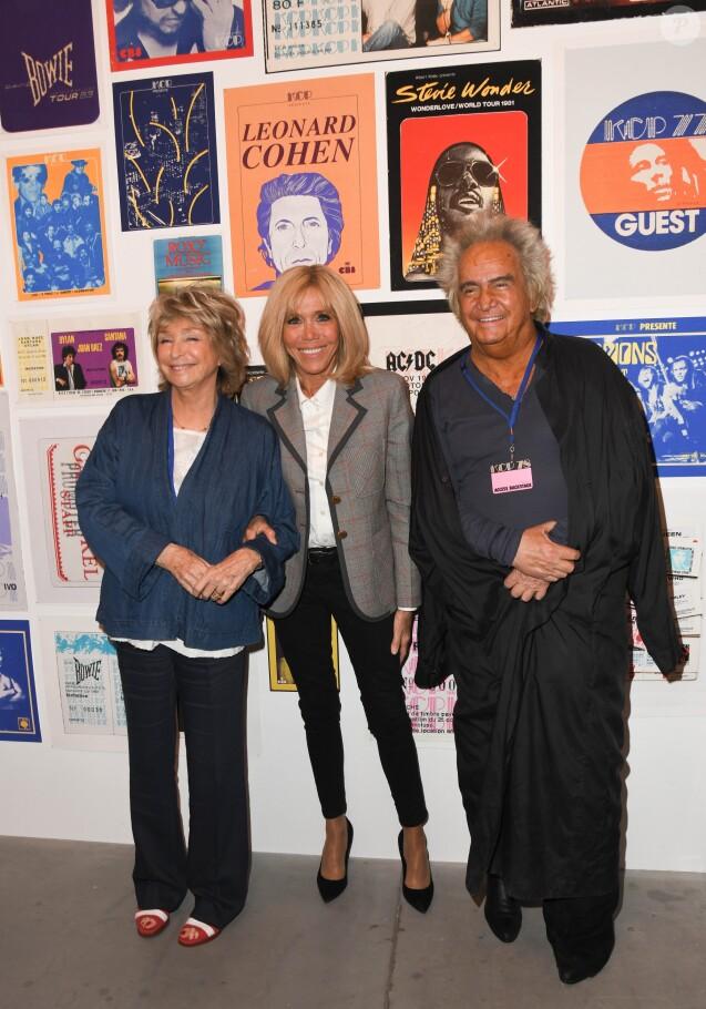 """Danièle Thompson, Brigitte Macron et Albert Koski - Exposition d'Albert Koski """"Rock Art"""" à la Galerie Laurent Godin à Paris le 3 juin 2019. © Coadic Guirec/Bestimage"""