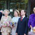 Le prince Willem-Alexander, sa mère la reine Beatrix, le président russe Dmitri Medvedev et sa femme Svetlana, la princesse Maxima des Pays-Bas inaugurent l'Ermitage Amsterdam
