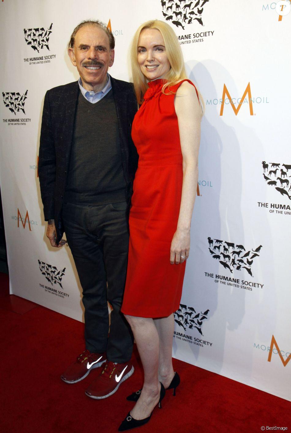 """Peter Max et sa femme Mary Max à la soirée """"2015 To The Rescue!"""" à New york, le 13 novembre 2015"""