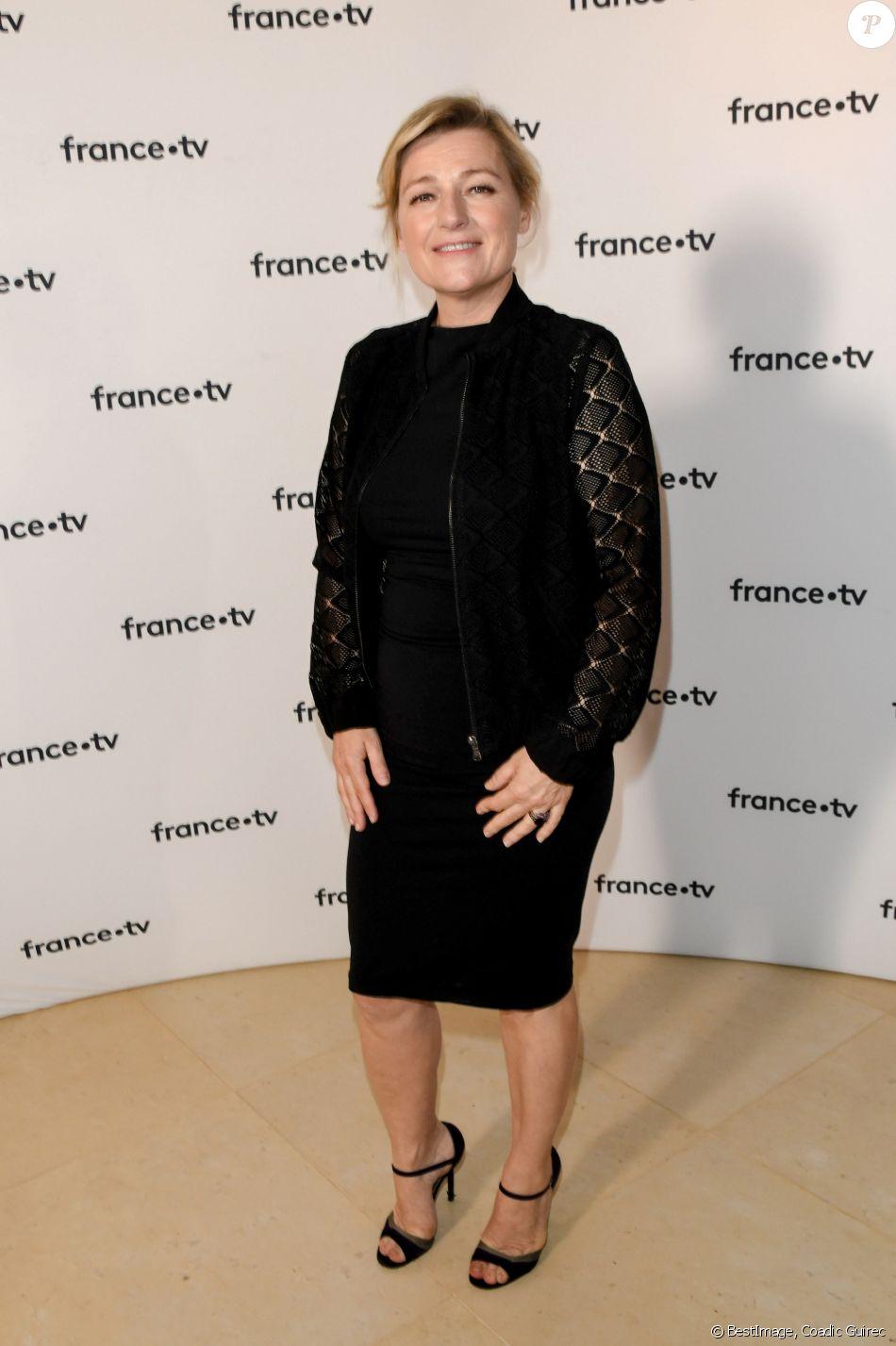Anne Elisabeth Lemoine au photocall de la conférence de presse de France 2 au théâtre Marigny à Paris le 18 juin 2019 © Coadic Guirec / Bestimage