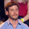 """La finaliste Cindy et son compagnon Thomas face à Denis Brogniart dans """"Koh-Lanta 2019, la finale"""", sur TF1 le 21 juin."""