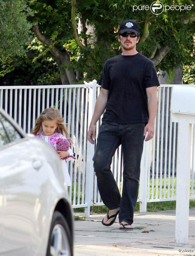 Christian Bale et sa fille Emmaline (Santa Monica, 7 juin 2009)