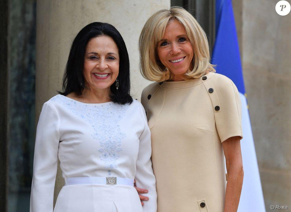 Brigitte Macron accueille la première équatorienne Rocío González de Moreno à l'Elysée le 11 juillet 2019.
