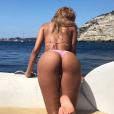 Zahia Dehar sexy lors de ses vacances en Corse. Instagram, août 2017.