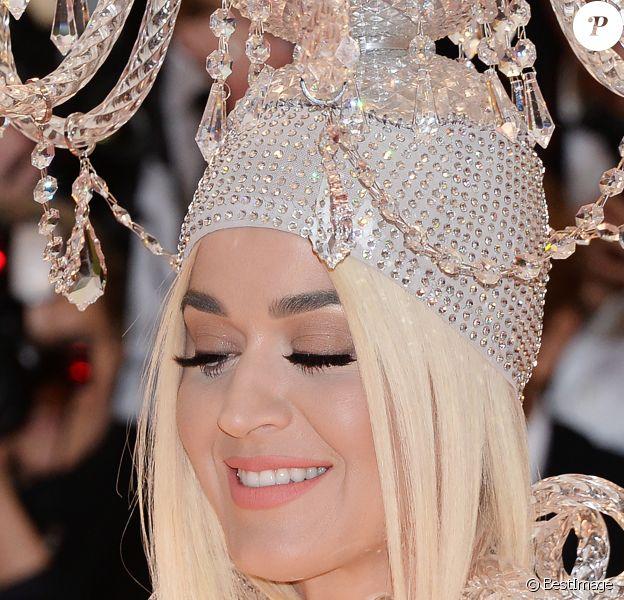 """Katy Perry au Met Gala 2019 sur le thème """"Camp: Notes on Fashion"""" au Metropolitan Museum of Art à New York, le 6 mai 2019."""