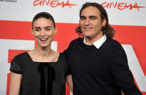 Rooney Mara et Joaquin Phoenix fiancés : le couple d'acteurs va se marier