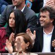 Arnaud Lagardère et sa femme Jade Foret - People dans les tribunes des internationaux de France de tennis à Roland Garros le 1er juin 2016. © Dominique Jacovides / Bestimage