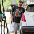 Exclusif - Kevin Federline est allé mettre de l'essence dans sa voiture à Calabasas, Los Angeles, le 23 juillet 2019