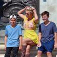 Exclusif - Britney Spears et ses enfants Jayden et Sean visitent Buckingham Palace et les autres attractions touristiques, accompagnés par deux gardes du corps. Londres, le 3 août 2018.