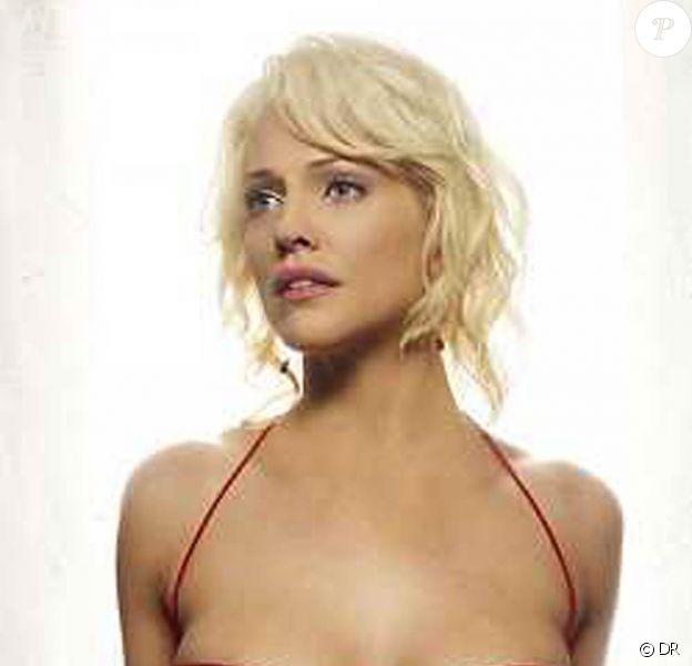 """La superbe Tricia Helfer, alias Numéro 6, dans """"Battlestar Galactica"""" !"""