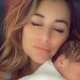Anaïs Camizuli est l'heureuse maman d'une petite fille prénommée Kessi. Juillet 2019.