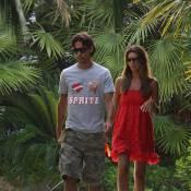 La star milanaise Pippo Inzaghi... balade, plage, vélo et bisous avec son top model !