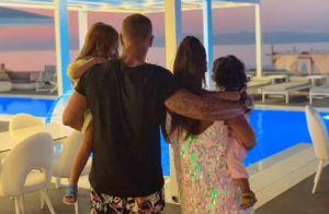 Amel Bent : Au soleil avec ses filles et son mari, le