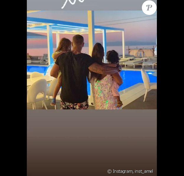 Amel Bent publie des photos de ses vacances en famille sur sa page Instagram le 12 août 2019.