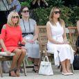 Brigitte Macron, Melania Trump - Brigitte Macron et les conjoints visitent la ville de Espelette en marge du sommet du G7 à Biarritz le 25 août 2019. © Thibaud Moritz / Pool / Bestimage