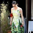 Dita Von Teese, toujours aussi classe dans sa robe des plus printanières.