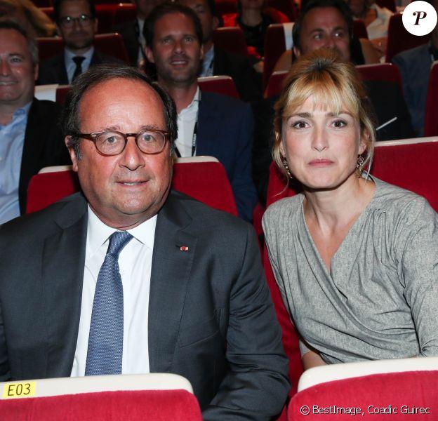 François Hollande et sa compagne Julie Gayet lors de la 12ème édition du festival du Film Francophone d'Angoulême, France, le 20 août 2019. © Coadic Guirec/Bestimage