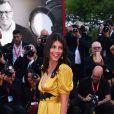 """La marraine du Festival international du film de Venise 2019, Alessandra Mastronardi lors de la première du film """"Marriage Story"""" lors de la première du film """"Marriage Story"""" lors du 76e festival du film de Venise, la Mostra, sur le Lido au Palais du cinéma de Venise, Italie, le 29 août 2019."""