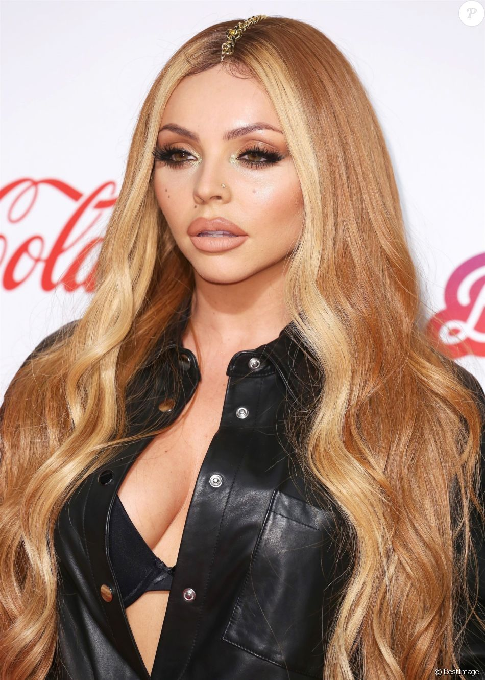 "Jesy Nelson du groupe Little Mix - Photocall de la soirée ""Capital FM - Jingle Bell Ball 2018"" à l'O2 Arena à Londres (Jour 2), le 9 décembre 2018."
