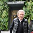 """Michel Drucker - Arrivées et sorties des invités de l'émission """"Vivement Dimanche"""" au studio Gabriel à Paris le 9 septembre 2019."""