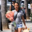 Christina Milian (enceinte) fait du shopping chez Little Moon à Studio City, Los Angeles, Californie, États-Unis, le 13 septembre 2019.