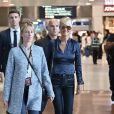 Laeticia Hallyday quitte en compagnie de Jimmy Reffas, en charge de sa sécurité, l'aéroport de Paris Roissy-Charles-de-Gaulle le 16 septembre 2019 après son arrivée en provenance de Los Angeles.