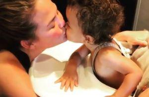 Chrissy Teigen : Maman gâtée par son fils de 16 mois, Miles