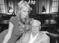 """Paris Hilton effondrée : son """"incroyable mentor"""" est mort"""