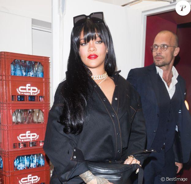 Rihanna arrive au Manko pour l'after-party de la marque Fenty lors de la fashion week à Paris le 26 septembre 2019.