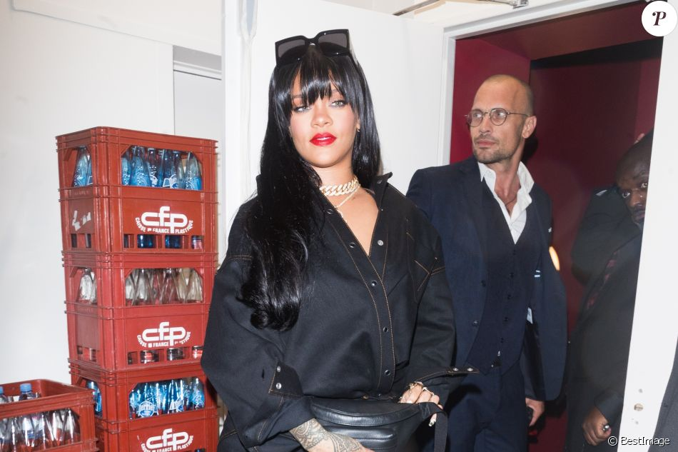 Rihanna arrive au Manko pour l'after-party de la marque Fenty lors de la fashion week à Paris le 26 septembre 2019.
