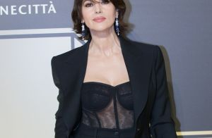 Monica Bellucci : Sublime en costume et body transparent