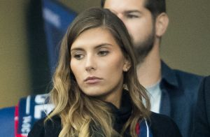 Camille Cerf : Tendres baisers avec son chéri Cyrille au Stade de France