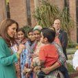 Kate Middleton et le prince William à l'hôpital Shaukat Khanum Memorial à Lahore, au Pakistan, le 17 octobre 2019.