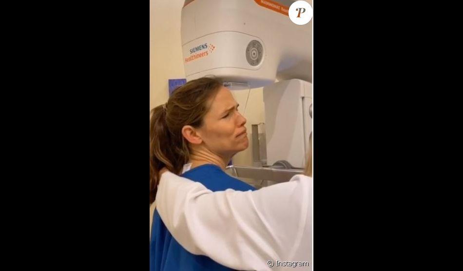 Drôle et sexy, Jennifer Garner partage sa mamographie sur Instagram (le 17 octobre 2019).
