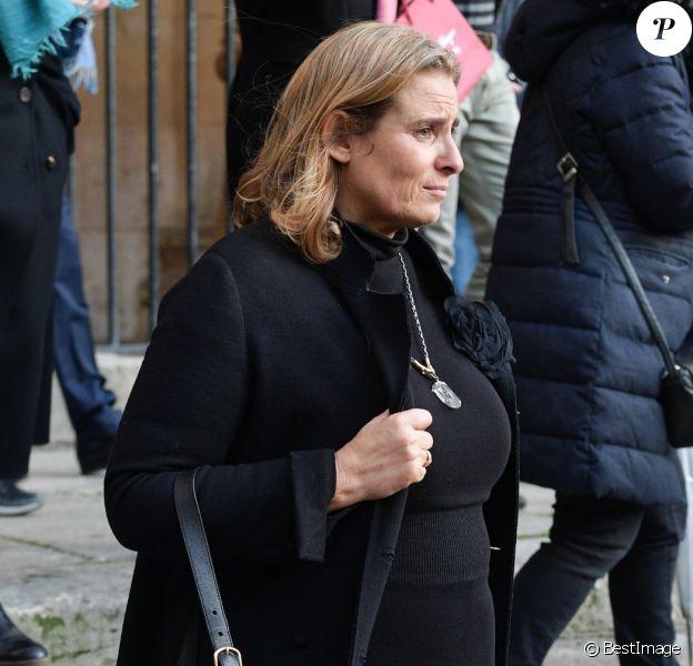 Lisa Azuelos (Fille de la défunte) - Sorties des obsèques de Marie Laforêt en l'église Saint-Eustache à Paris. Le 7 novembre 2019.