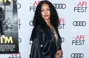 Rihanna : Décolleté plongeant et robe fendue vintage pour une soirée cinéma