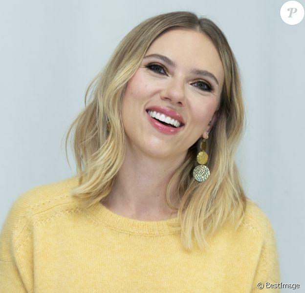 """Scarlett Johansson à la conférence de presse de """"Jojo Rabbit"""" et de """"Marriage Story"""" à l'hôtel Four Seasons de Beverly Hills le 25 octobre 2019."""