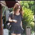 Rachel Bilson nous dévoile ses gambettes le 22 juillet 2009 à Los Feliz